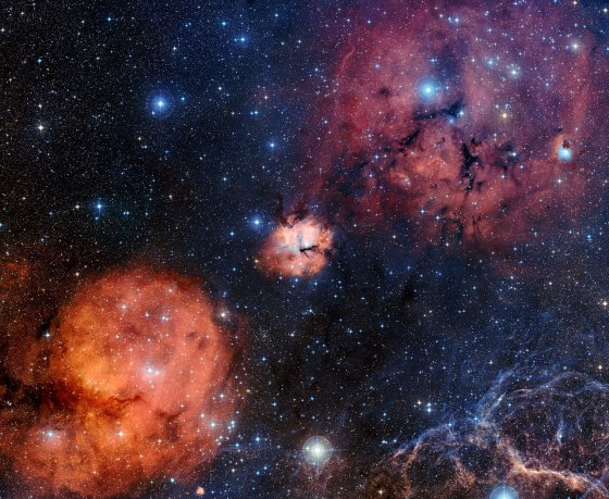 A wide-field view of the Gum 15 star formation region