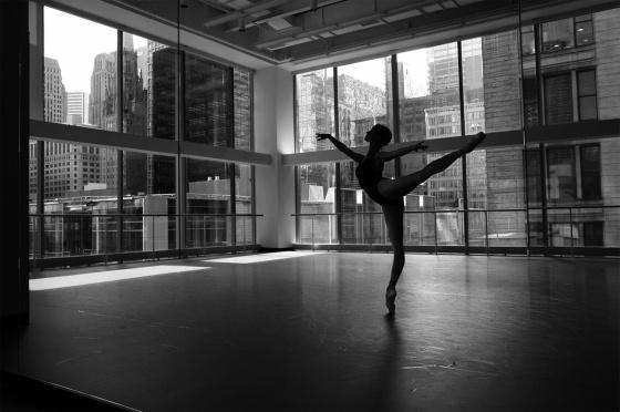 ballet-black-and-white-dance-Favim_com-284260